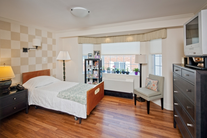 Private bedroom - Belmont Manor